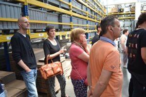 begetube-fabrieksrondleiding-communicatie-groep-luisteren