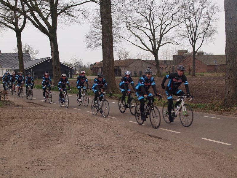 axiwi-test-fietssport-magazine-tourclub-mierlo-hout