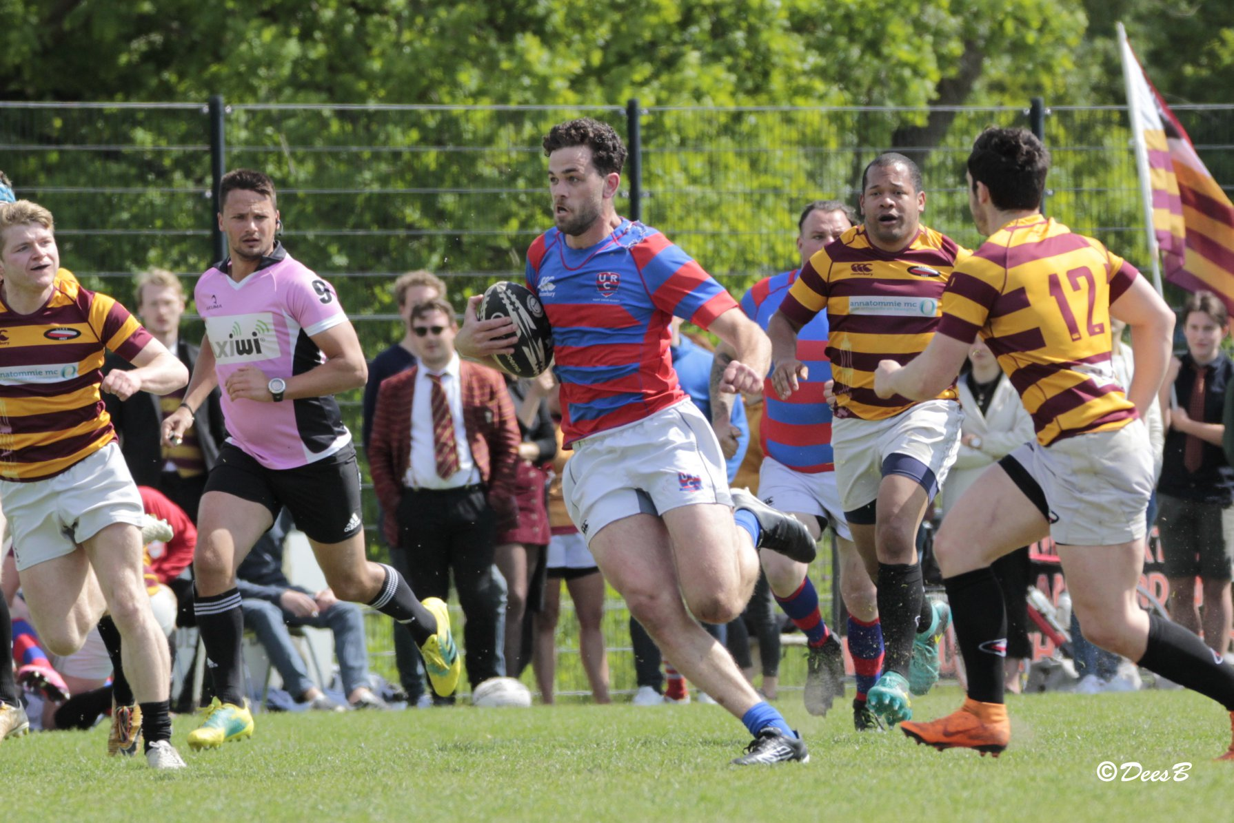 axiwi-communicatie-systeem-rugby-scheidsrechters