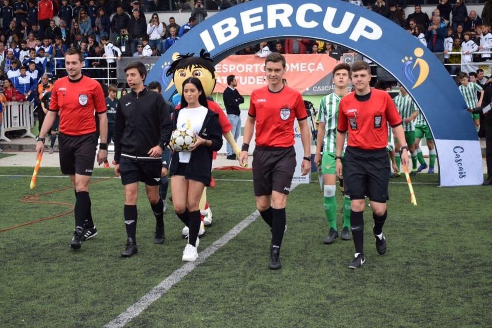 axiwi-communicatie-systeem-voetbal-scheidsrechters
