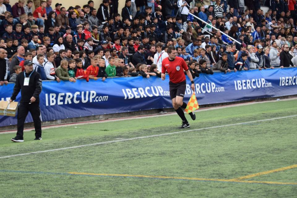 axiwi-referee-academy-voetbal-scheidsrechters-ibercup-cascais-2019-finale-crowd