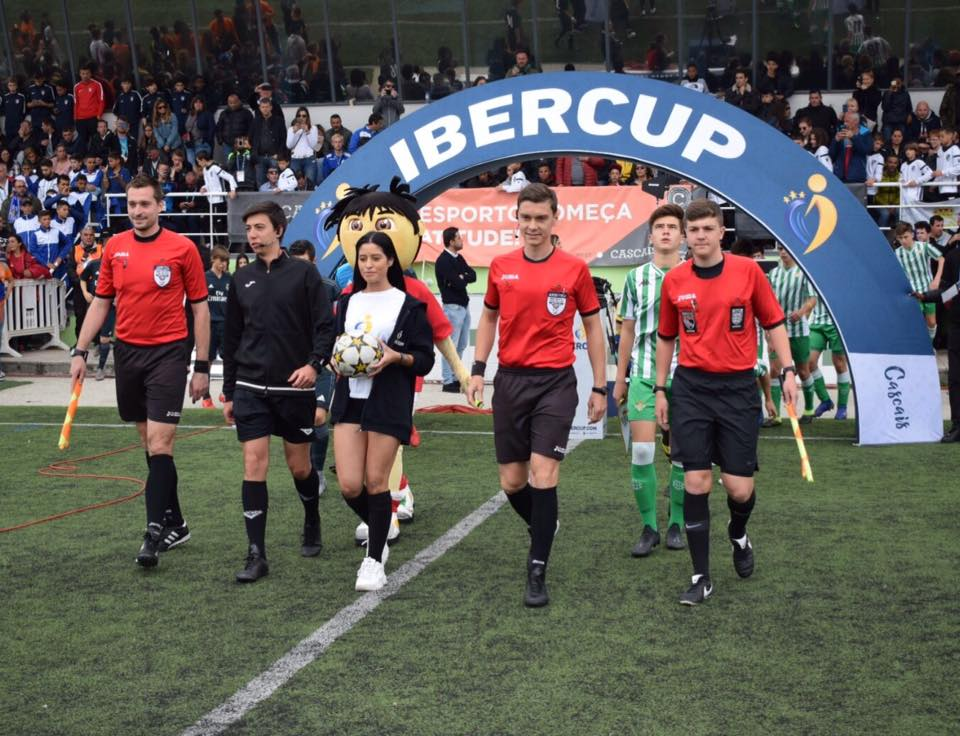 axiwi-referee-academy-voetbal-scheidsrechters-ibercup-cascais-2019-finale