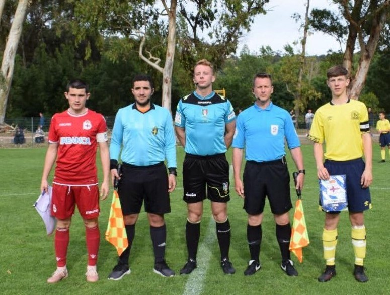 axiwi-referee-academy-voetbal-scheidsrechters-ibercup-cascais-2019-veld