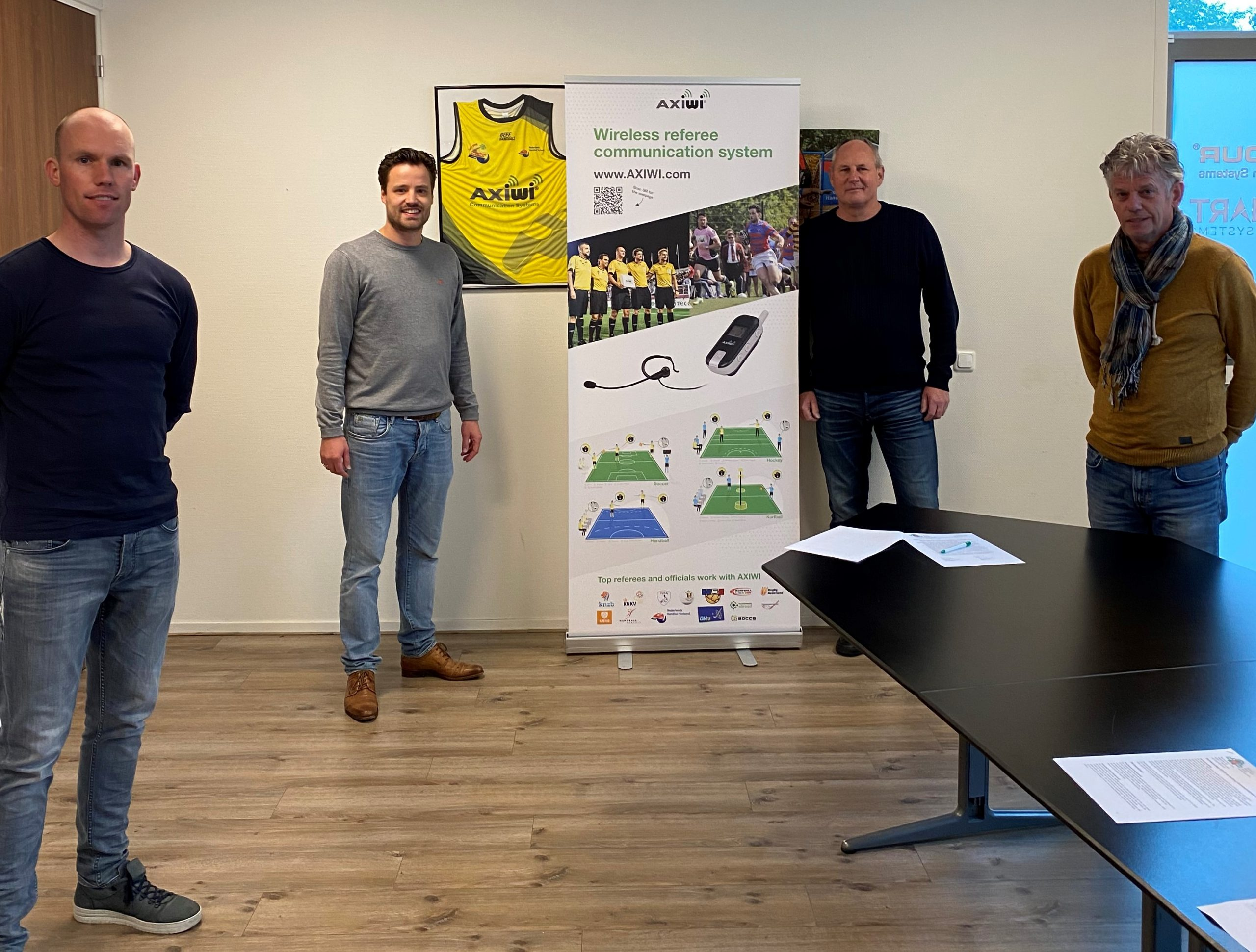 covs-voetbal-scheidsrechter-verening-axitour-samenwerking-leverancier-draadloze-headsets-2020